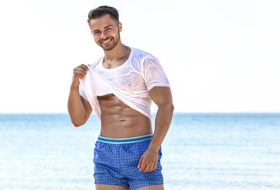 Photo Example after the use of Abdominal muscles Retouching Feature