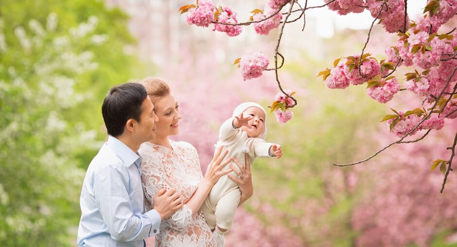 Family Photo Ideas & Tips for Spring Season