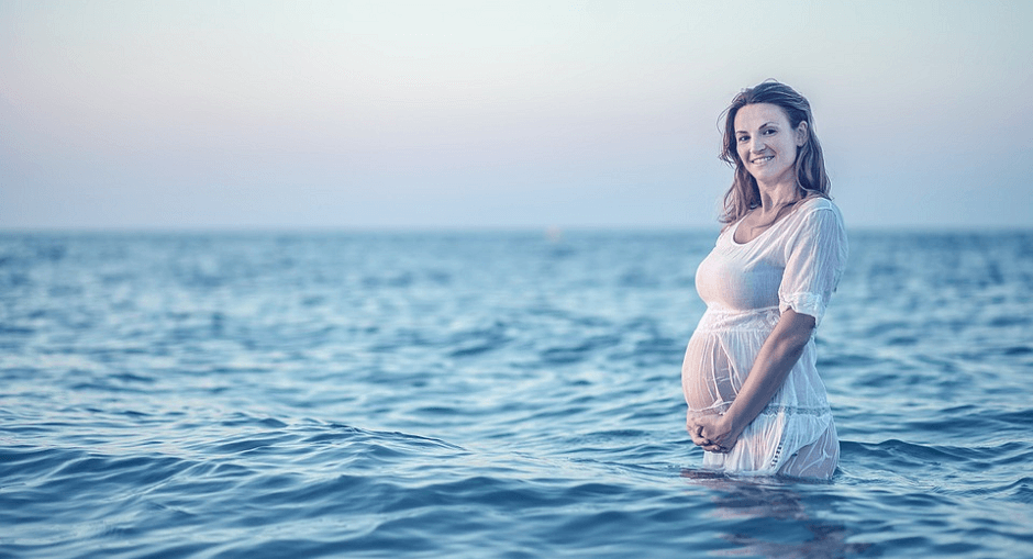 TOP-32 Maternity Photo Ideas