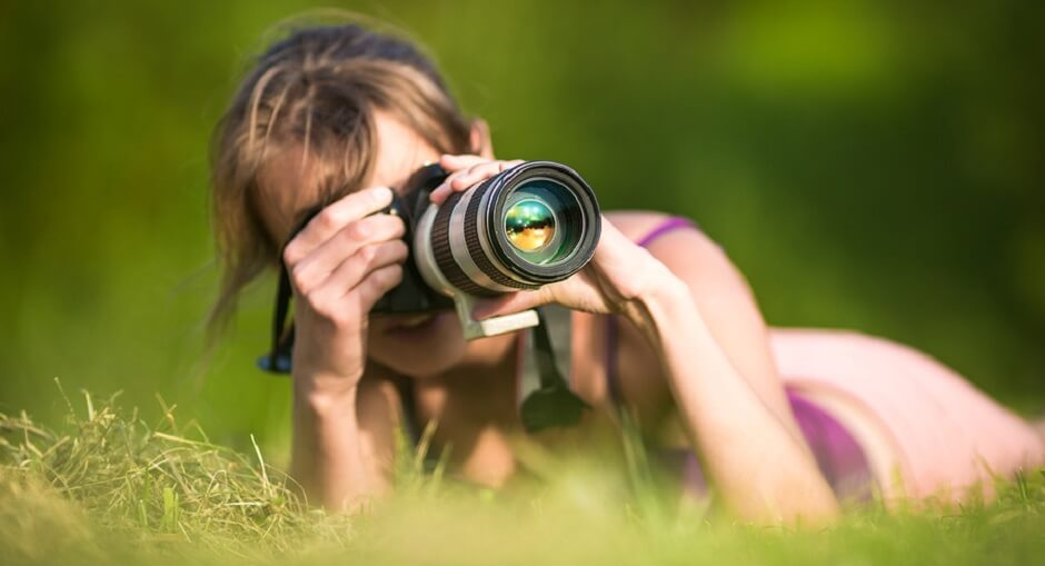 What is Candid Photography Definition: Tips to use