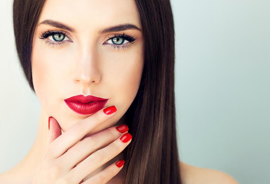 Photo Example after the use of Manicure Retouching Feature